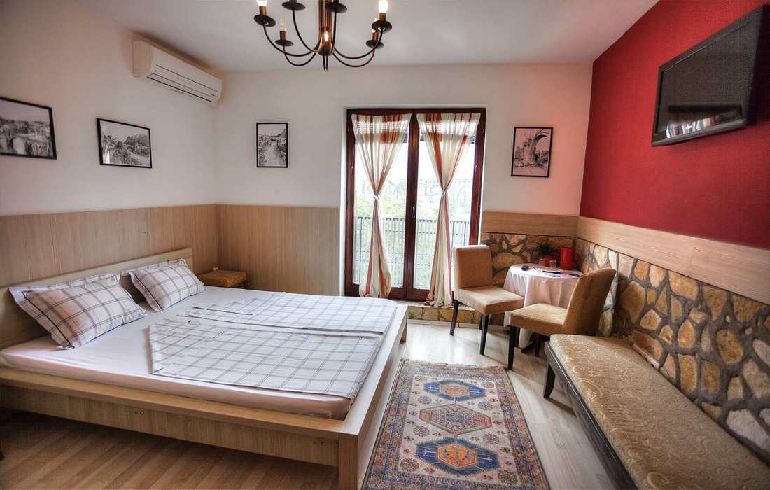 Very comfortable three-bed rooms in Villa Anri