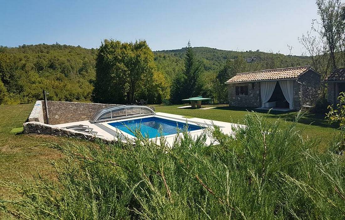 Country House with garden and pool in Central Istria