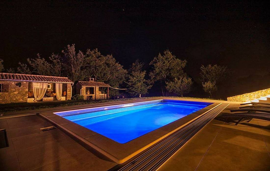 Rural house with swimming pool, Inland Croatia