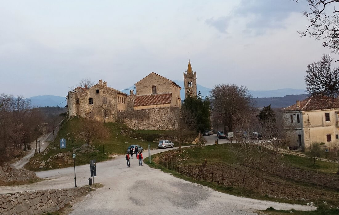 Hum - the smallest town in the world, Inland Istria