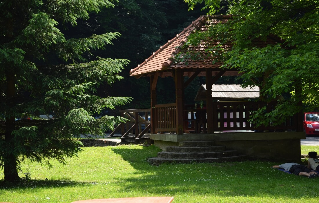 Summerhouse of mountain lodge Jankovac