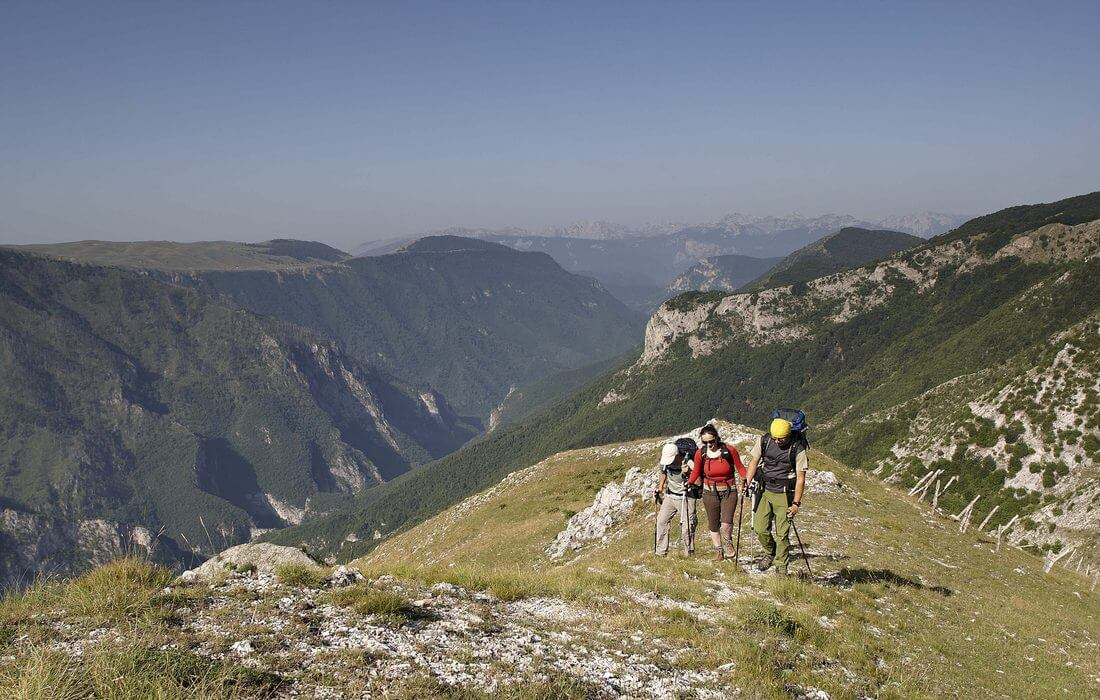 Guided hiking tour over the Rakitnica Canyon, Bjelasnica, Bosnia